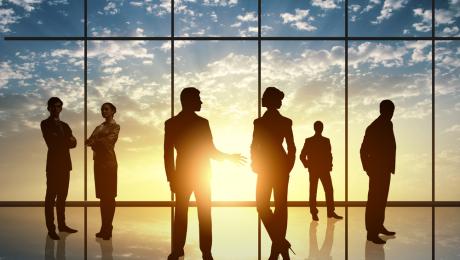 Autonomie procédurale des opérateurs de base et performance des ressources humaines : une exploration de l'influence du mode de gestion
